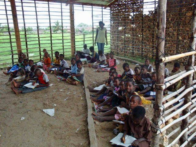 MPJ 素材(1) ※モザンビークの小学校